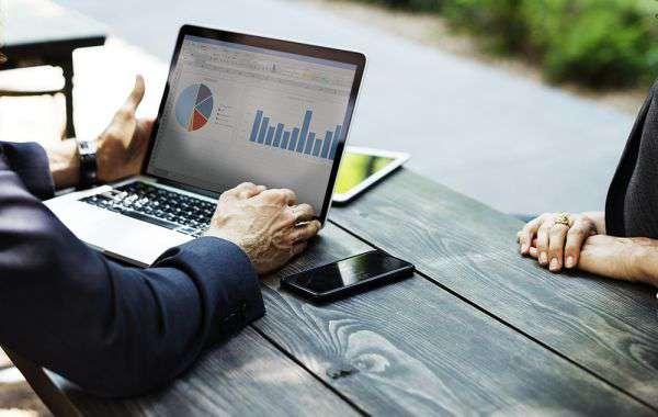học tiếng Anh thương mại cho người đi làm
