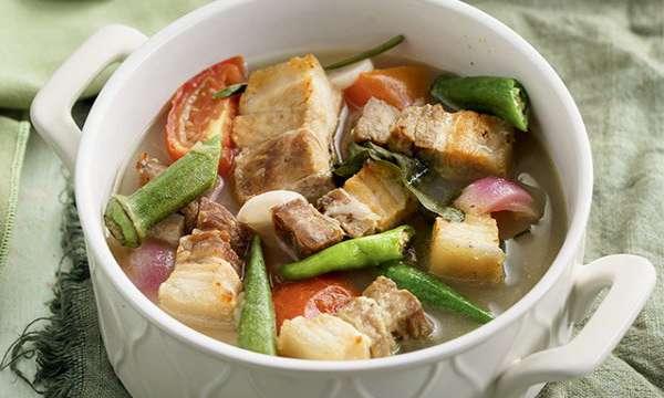 canh sinigang món đặc sản Philippines
