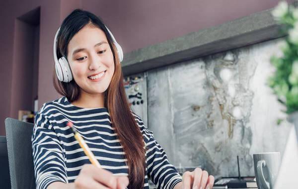 phương pháp luyện nghe tiếng Anh giọng Mỹ online