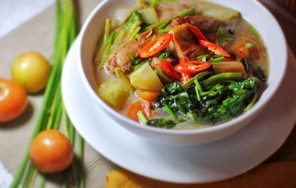 du-lich-philippines-tu-tuc-mon-canh-chua