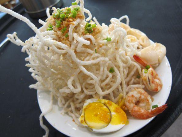 am-thuc-philippines-bun